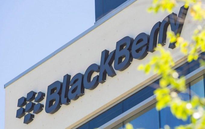 blackberry smette produrre smartphone