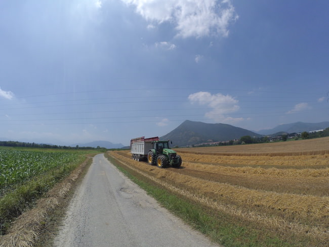 foto paesaggio trattore xiaomi yi