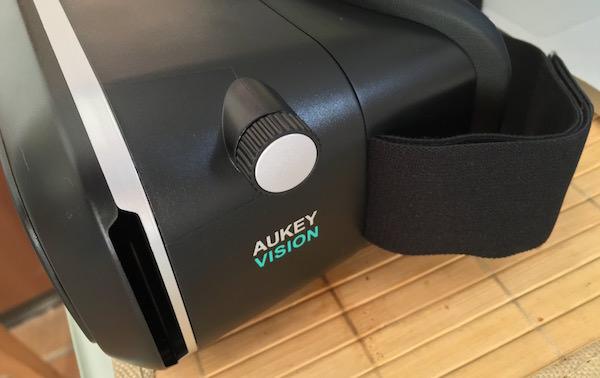 aperture sportello cuffie visore aukey