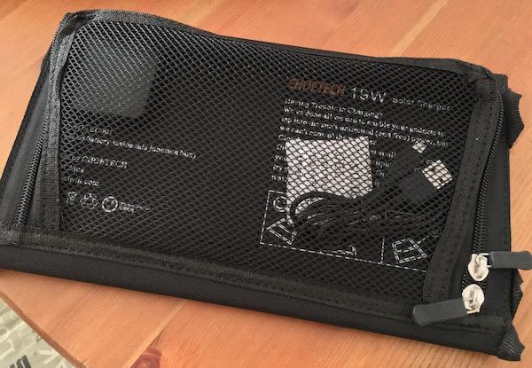 tasca posteriore caricabatterie solare