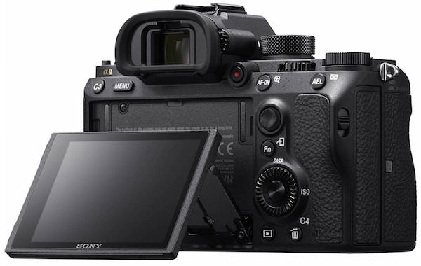 schermo orientabile mirrorless Sony A9