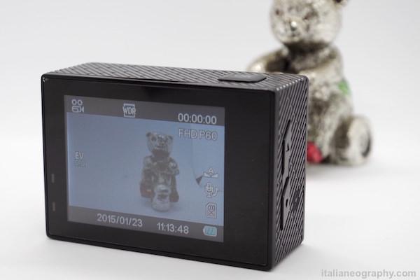 action cam andoer orsacchiotto fotografata con lightbox zecti