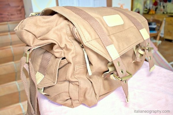 caratteristiche borsa tracolla fotografica caden f1