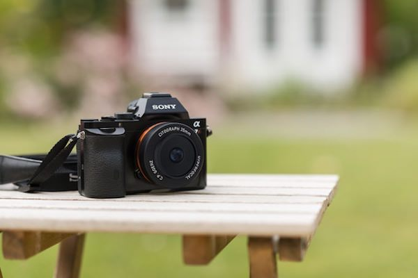 fotocamera Sony con pancake citograph 35